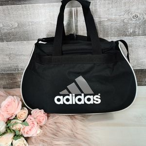 ADIDAS Basics medium duffle gym bag